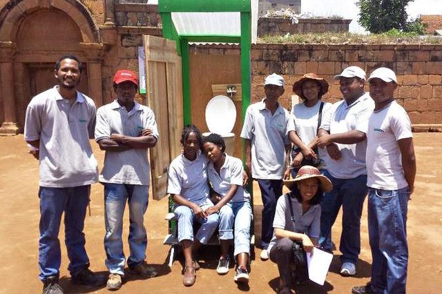Loowatt team in Madagascar
