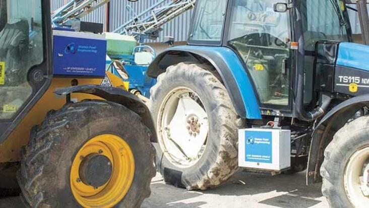Hydrolysers on the Barron's JCB telehandler and New Holland TS115 tractor